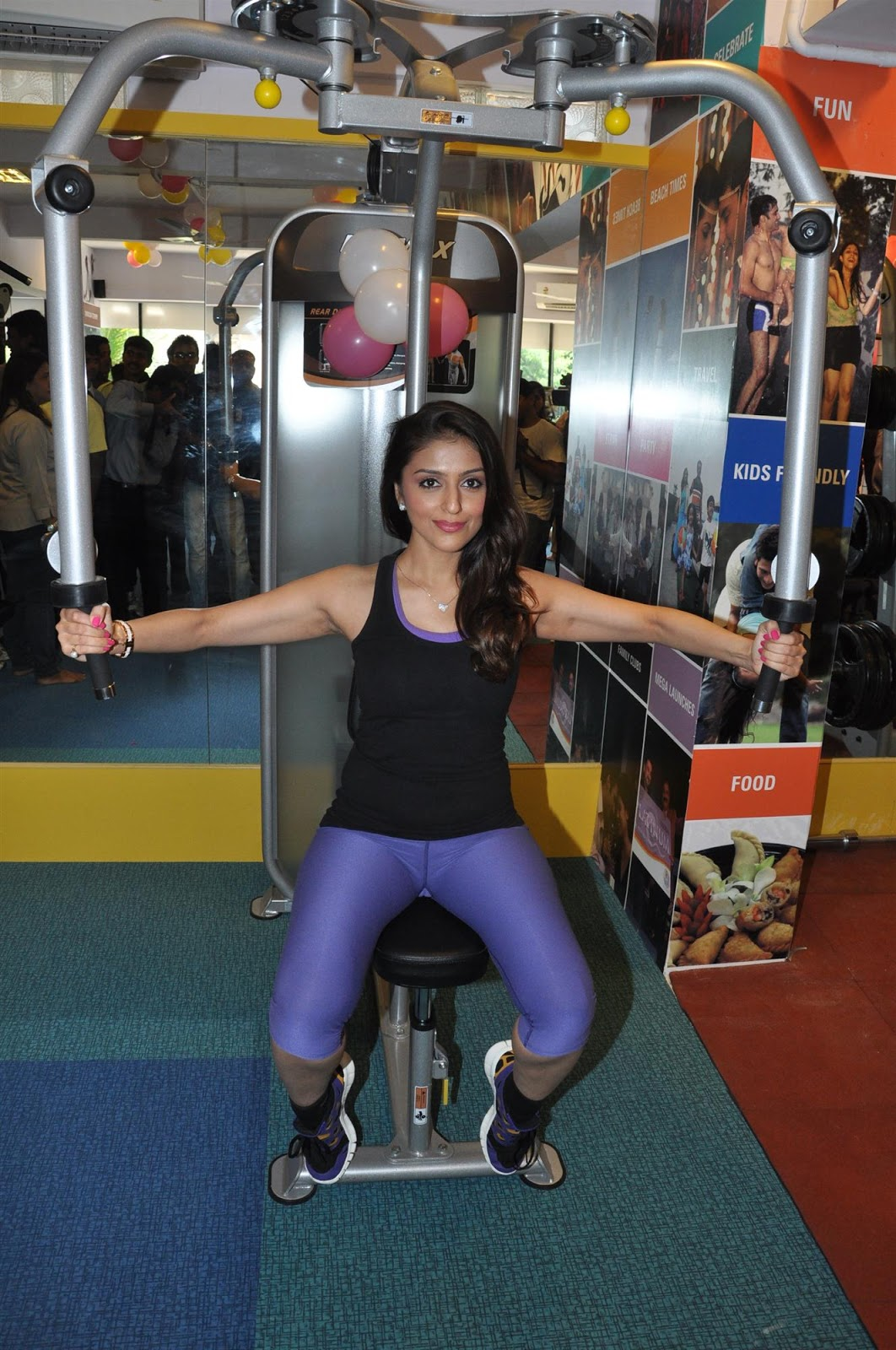 Desi Photo Aarti Chhabria Latest Hot And Spicy Photo-7072