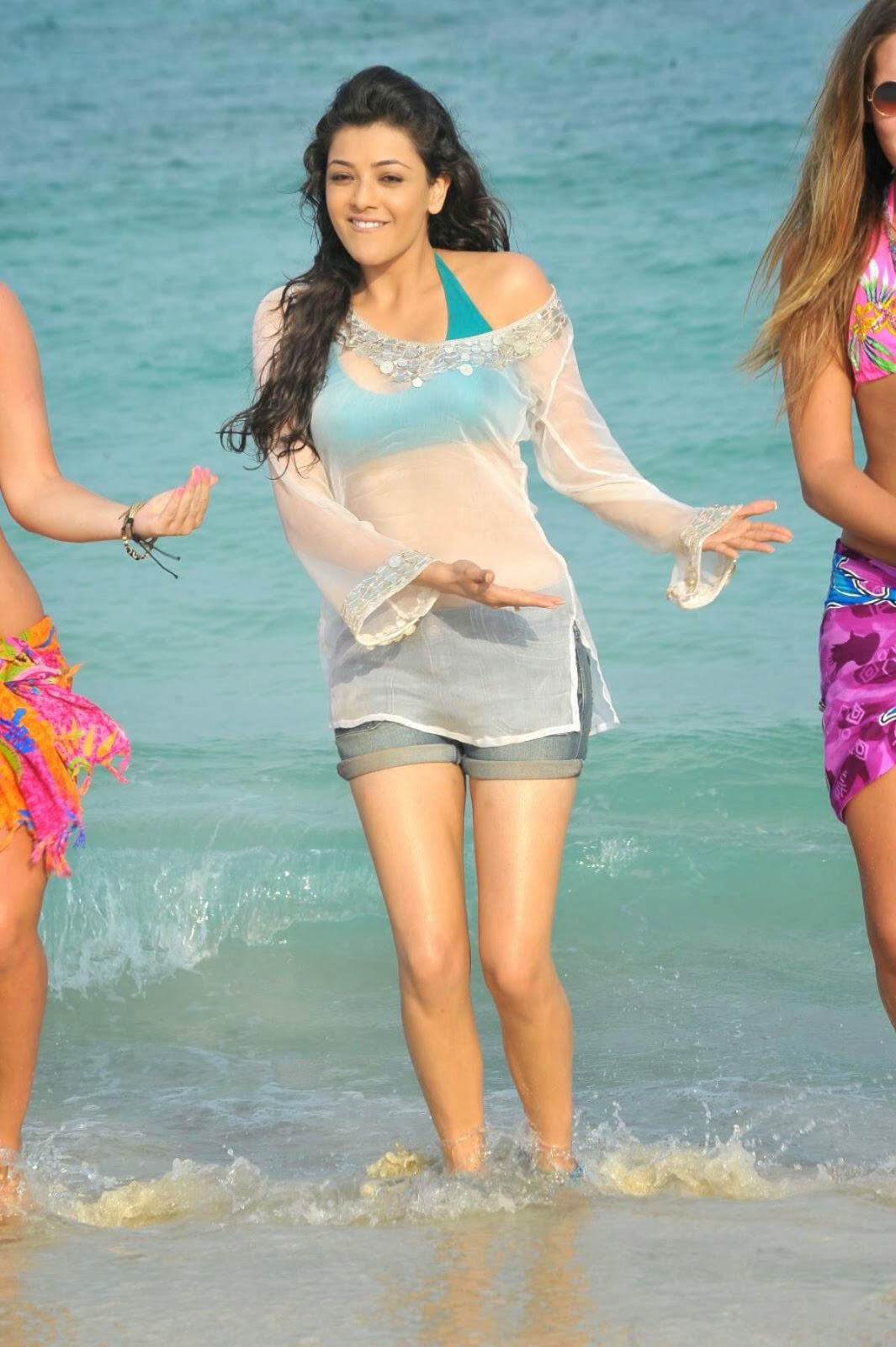 Kajal Aggarwal - A South Indian Actress Hot pics in Short Dress
