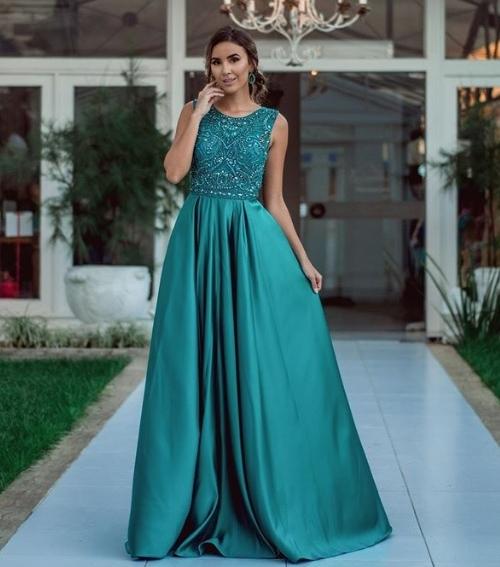 vestido de festa verde longo estilo  princesa