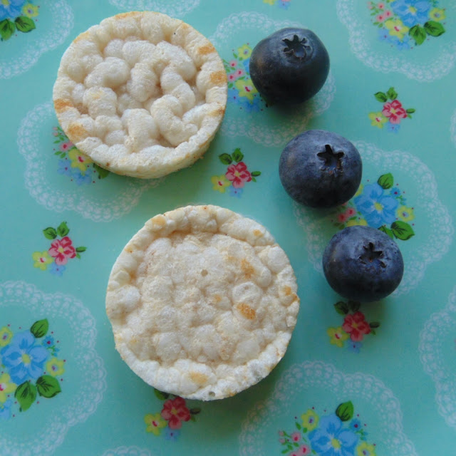 Organix ricecakes and blueberries