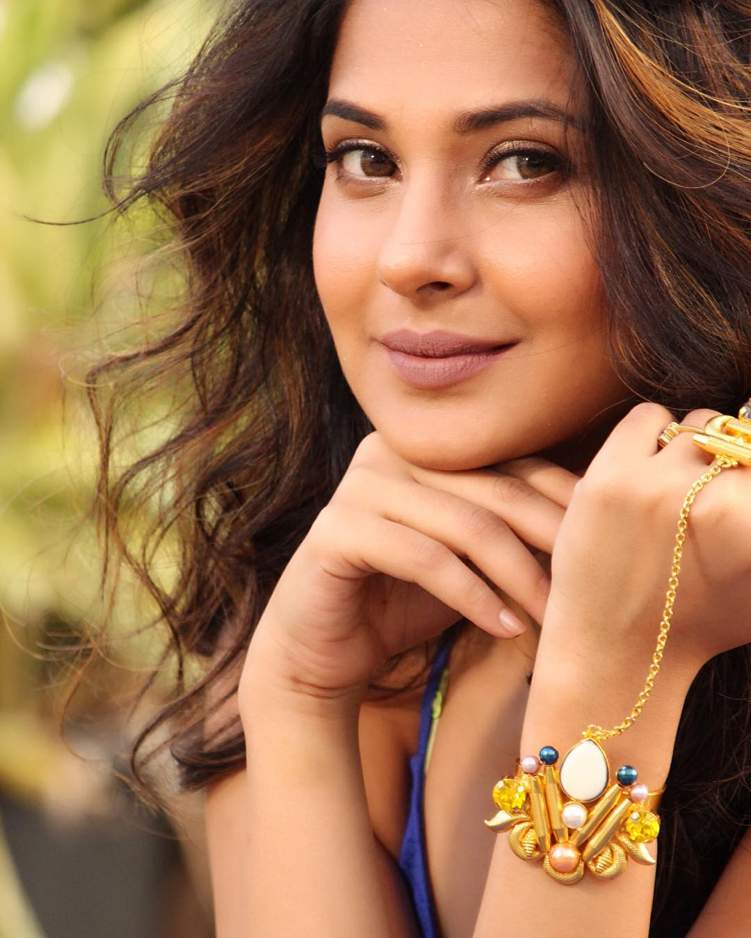 Jennifer Winget Beautiful Pictures - HD Actress Photo