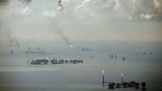 Tormenta Nate impide 90% de producción de petróleo en el Golfo de México