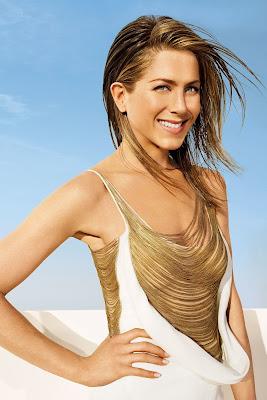 Jenniffer Aniston belahan dada artis tua dan seksi