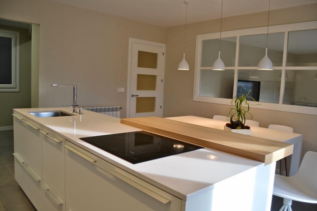 Una isla de cocina autosuficiente cocinas con estilo for Barras modernas