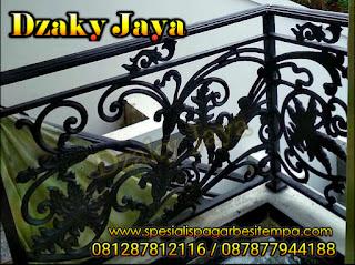 Model-Voit-Tangga-Besi-Tempa-Balkon-Besi-Tempa-Klasik