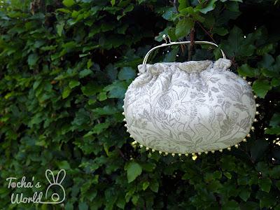 rabbit, bunny, squirrel, jacquard, clasp frame, bag, handbag, pearls, Czech beads, Mandors, Glasgow, handmade,