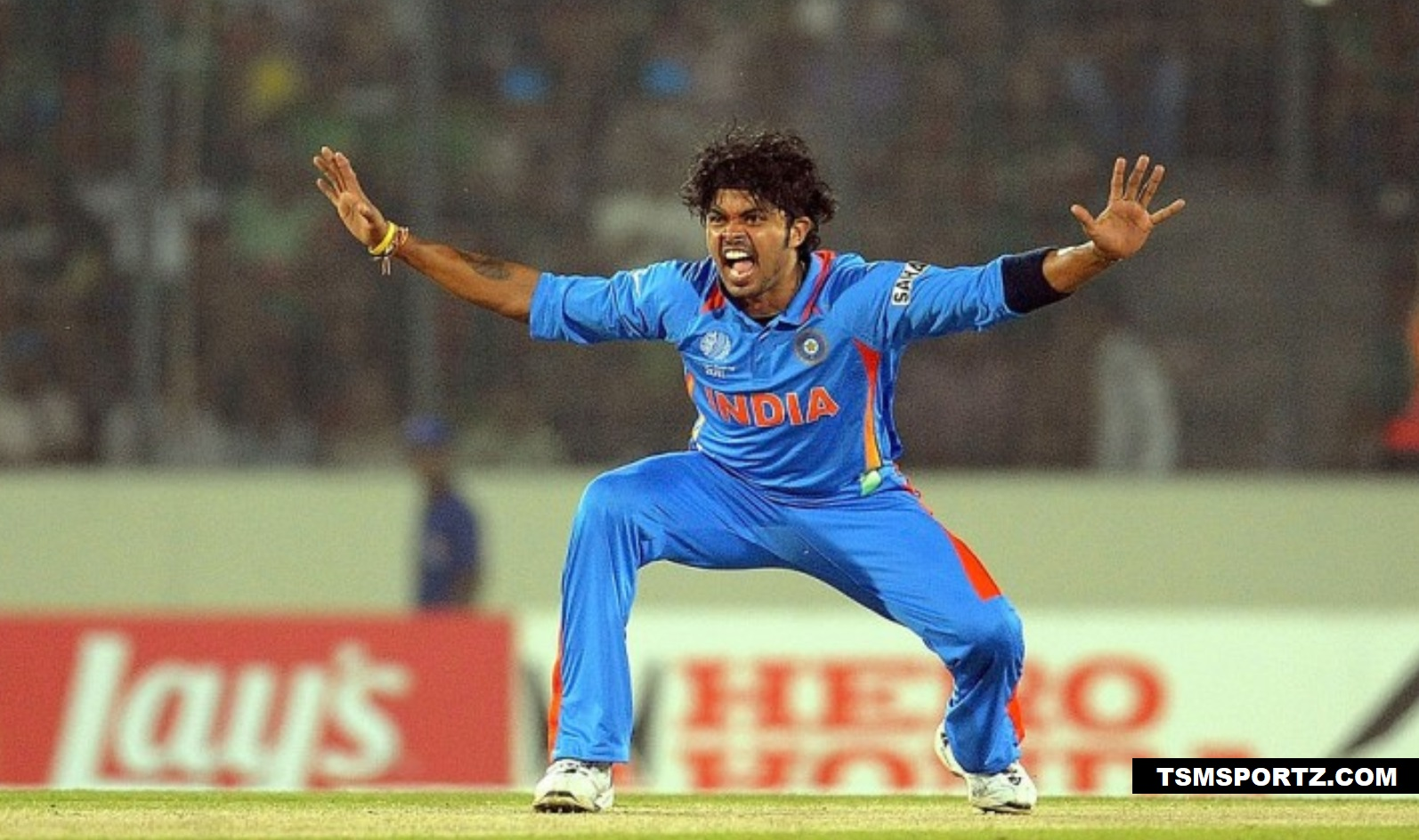 sreesanth gets life long ban in cricket team India