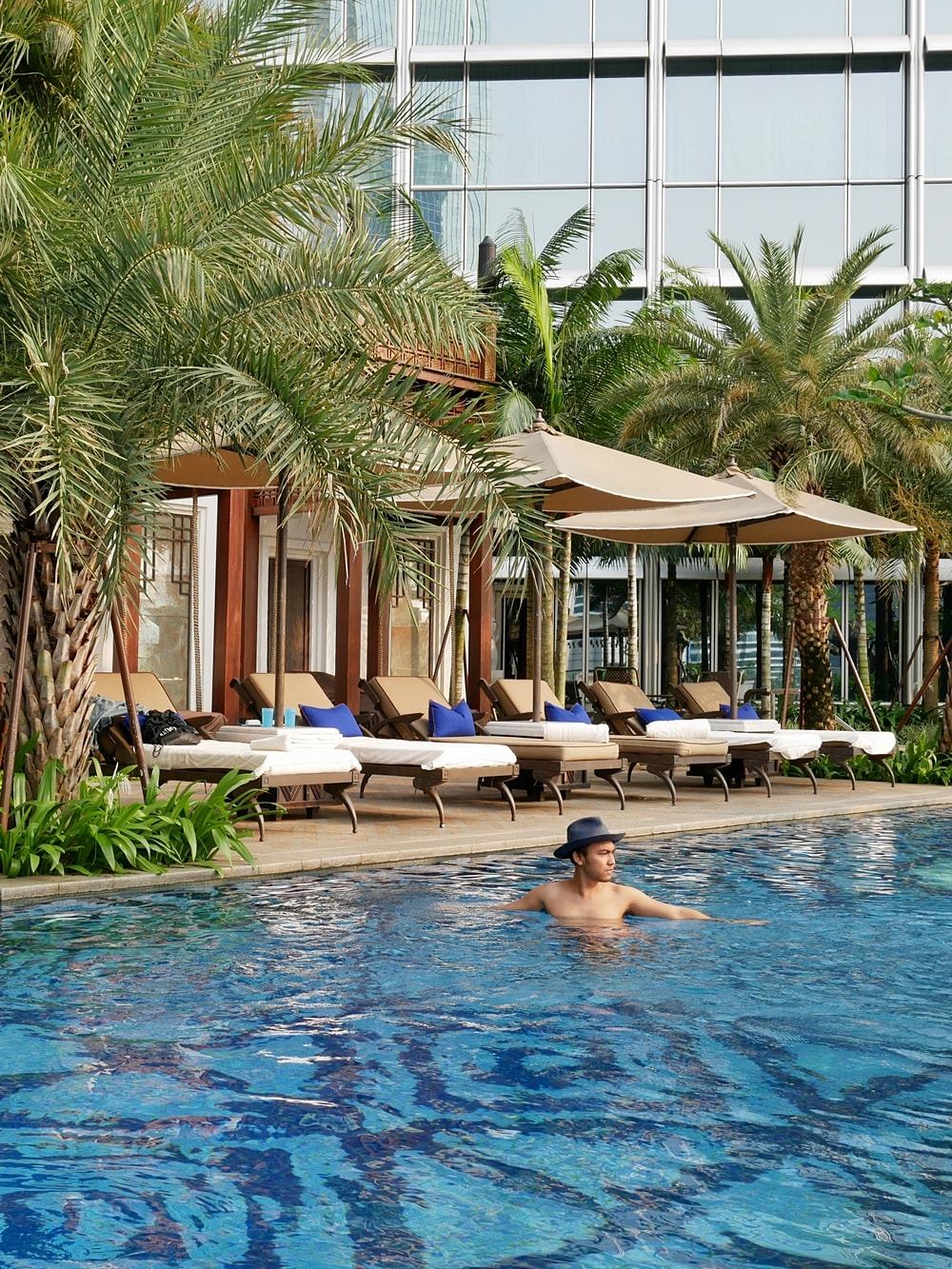 DELUXSHIONIST #STAYCATION AT FOUR SEASONS HOTEL JAKARTA