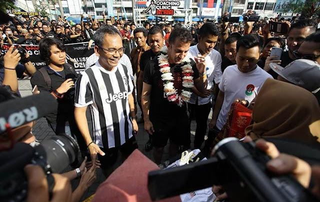 Tidak Takut Bom, Legenda Juventus Ini Tetap Datang ke Medan