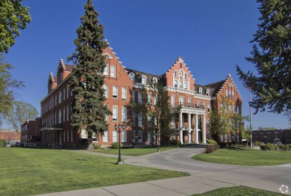 Former Academy Senior Living Facility To Re Open As A Student Geared Apartment Complex