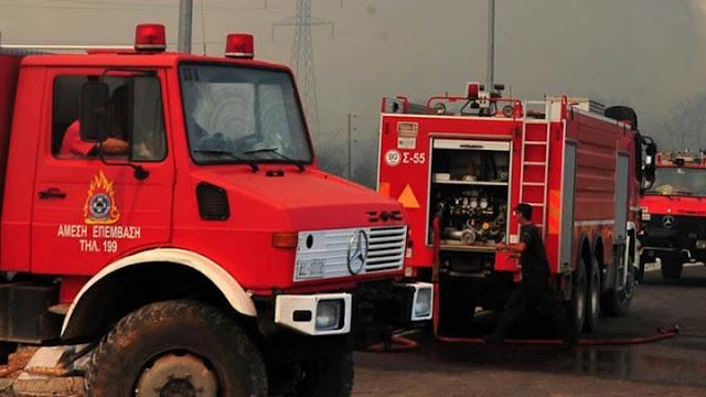 Ενισχύσεις της πυροσβεστικής από την Αργολίδα σε πυρκαγιά στο Ξυλόκαστρο Κορινθίας