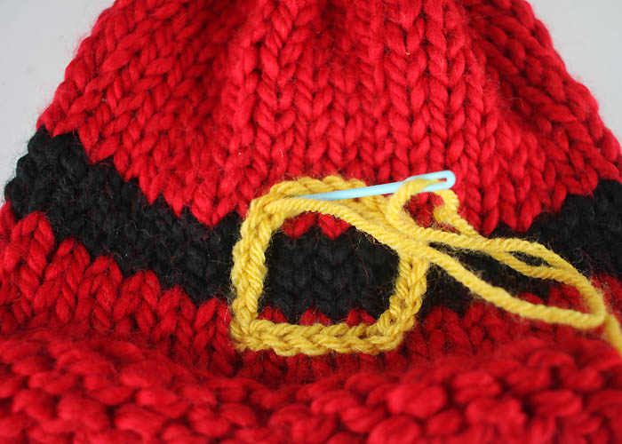 Santa's Belt Buckle Hat Baby Free Knitting Pattern