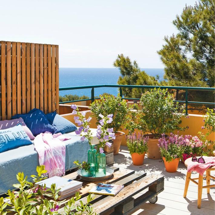 Un pequeño duplex con grandes terraza
