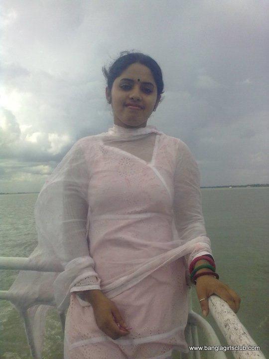 Bangladeshi boyfriend and girlfriend in restaurant2full on hotcamgirlsin 7