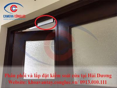Khóa điện được lắp đặt trên các cửa ra vào.
