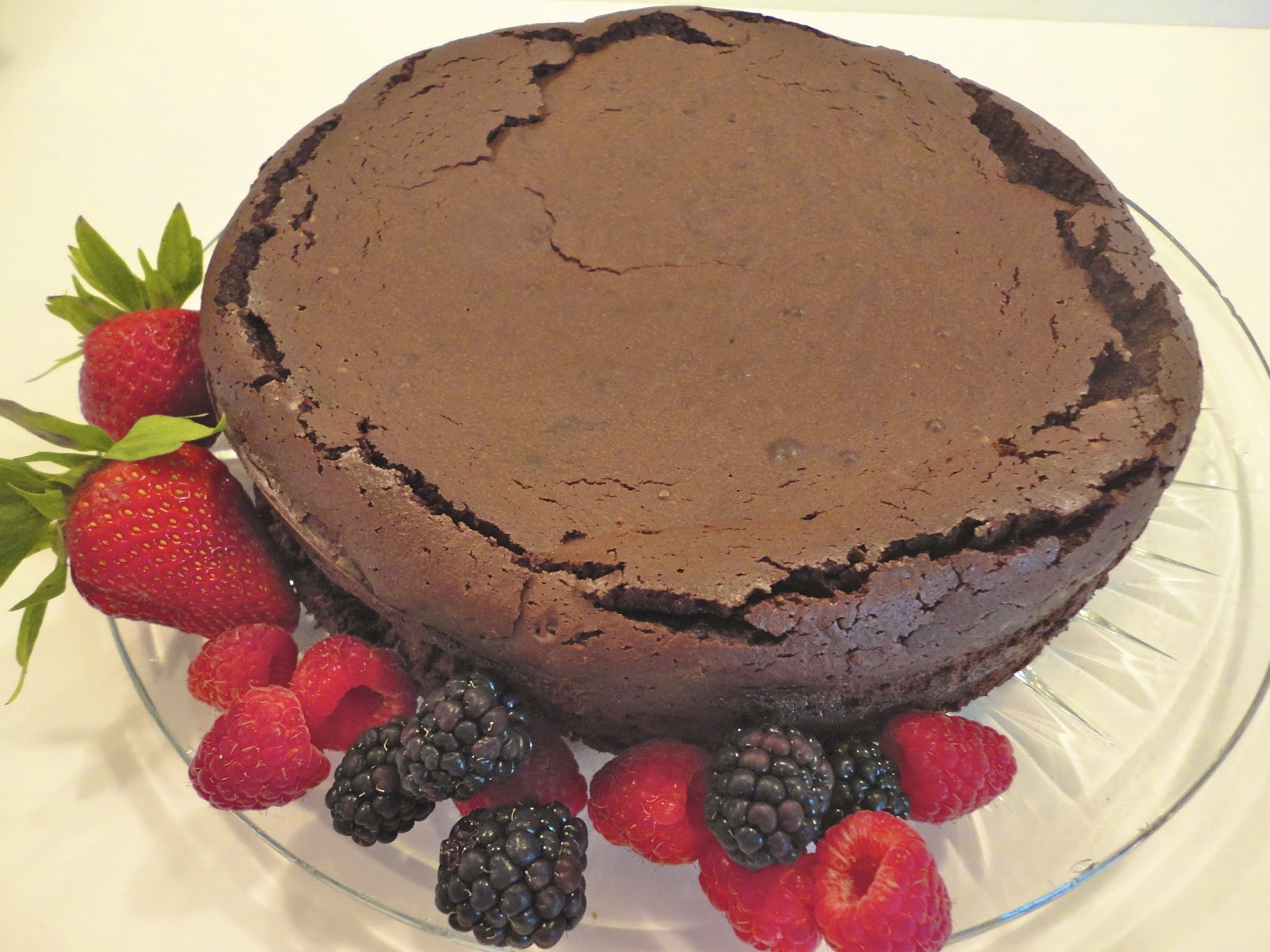 Mystery Lovers\' Kitchen: Chocolate Truffle Cake from Avery Aames
