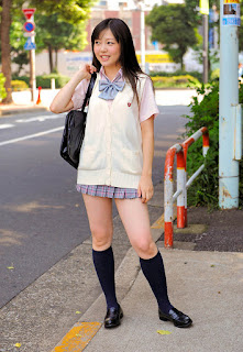 natsumi minagawa sexy schoolgirl outfit 04
