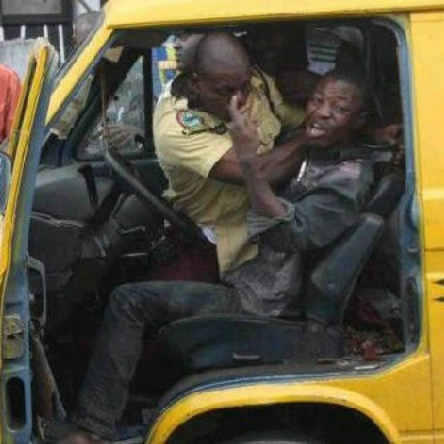 LASTMA Officer Jumps Inside a Moving Car, Drags the Steering With Driver (Video)