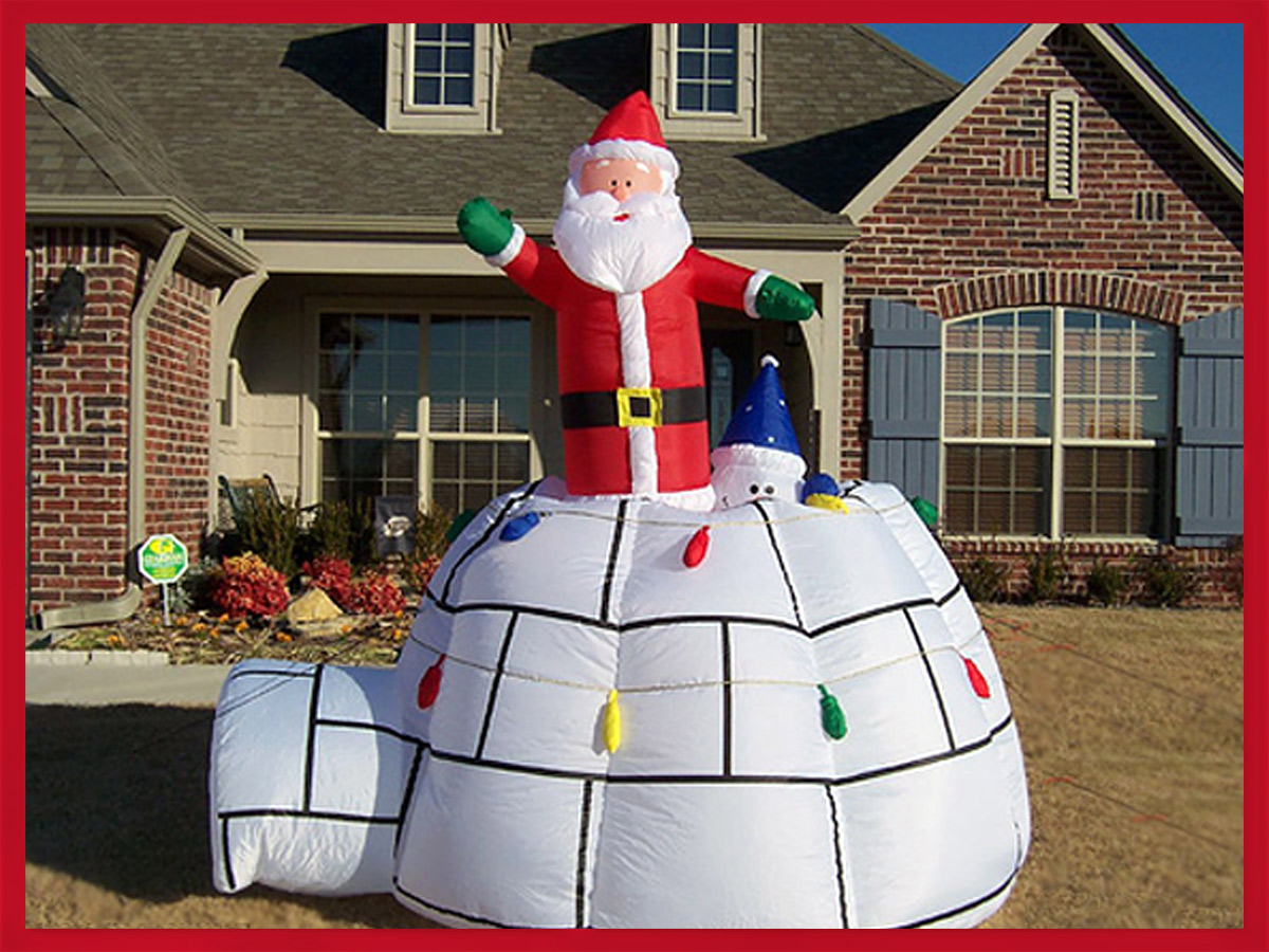Christmas inflatables: Giant Blow Up Santas (Oklahoma City Craigslist) $18