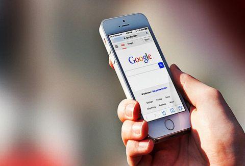 Αλλάζει και η Google: Τι διαφοροποιείται από εδώ και πέρα στα κινητά τηλέφωνα