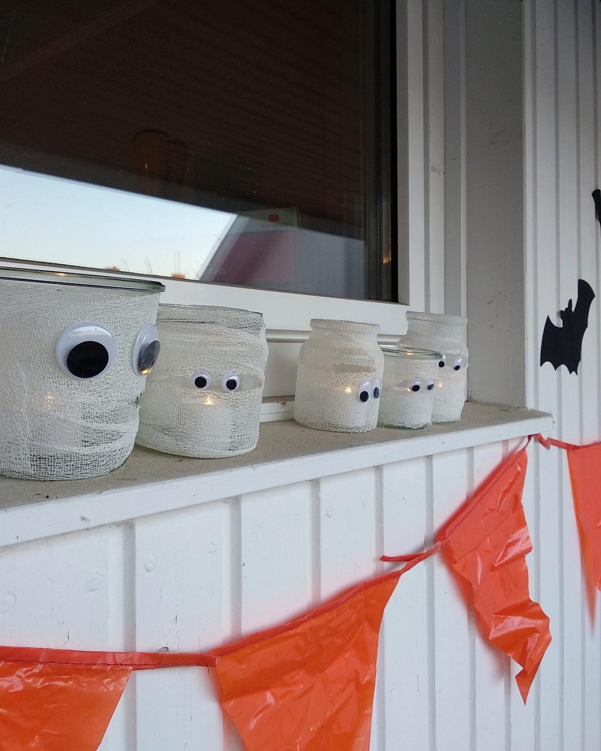 Einfache Halloween Deko basteln mit Kindern | Schnelle Mumienlichter | judetta.de