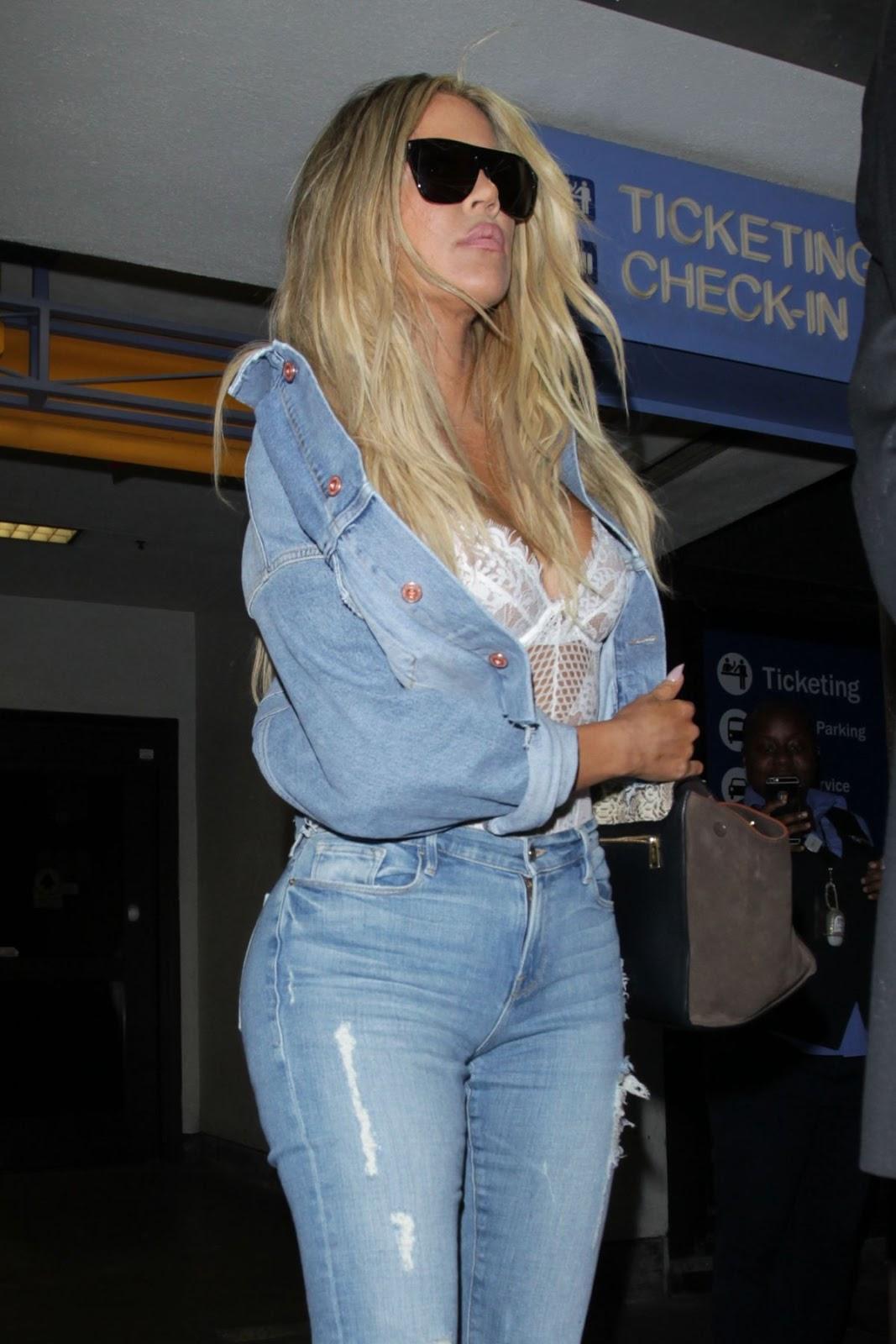 Khloe Kardashian Booty in Jeans 2016