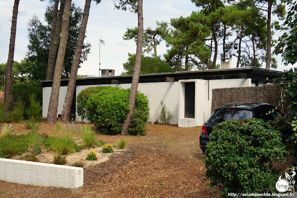 Cap-Ferret - Villa Laporte, rue Merlot  Architectes: Adrien Courtois, Yves Salier, Michel Sadirac  Construction: 1962