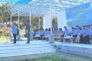 Wakil Bupati Boltim, Drs. Rusdi Gumalangit tengah dalam sambutannya pada apel Korpri pagi tadi dilapangan pondabo Tutuyan