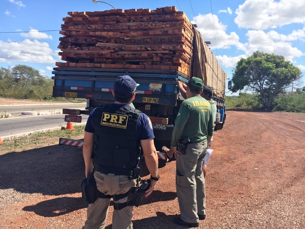 prf-apreende-carga-de-madeira-ilegal-com-tabuleirense
