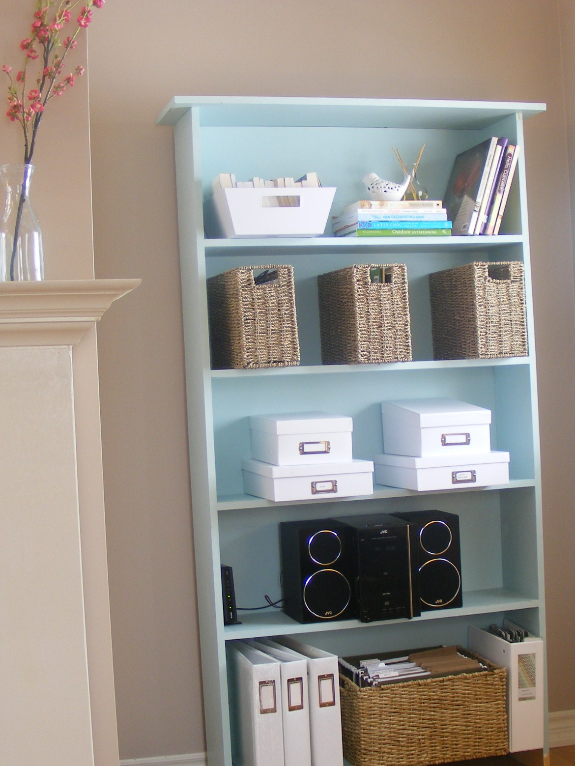 Living Room With Bookshelf: {Home Staging 101} Part 2: My Living Room