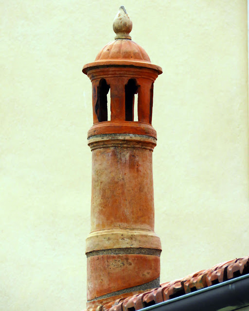 A terracotta chimney, Via Roma, Livorno