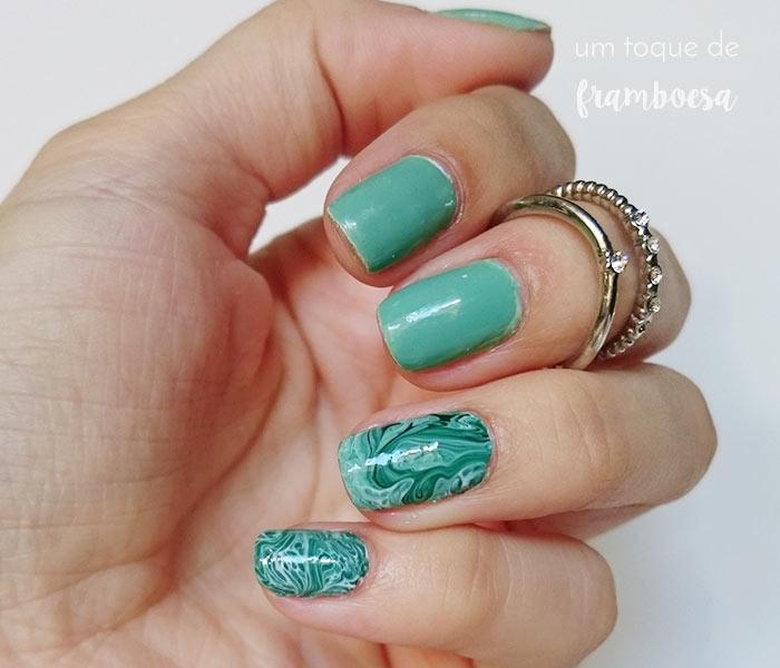 unhas decoradas com nail art marmorizado