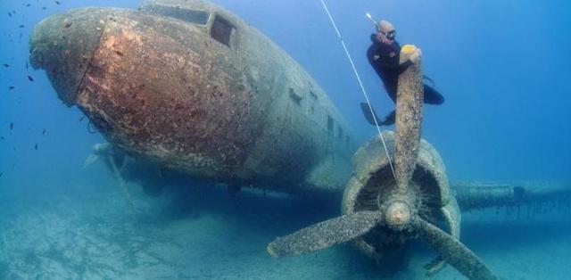 Alusita Perang Dunia II di pesona bawah laut Pantai Nunuhu Morotai
