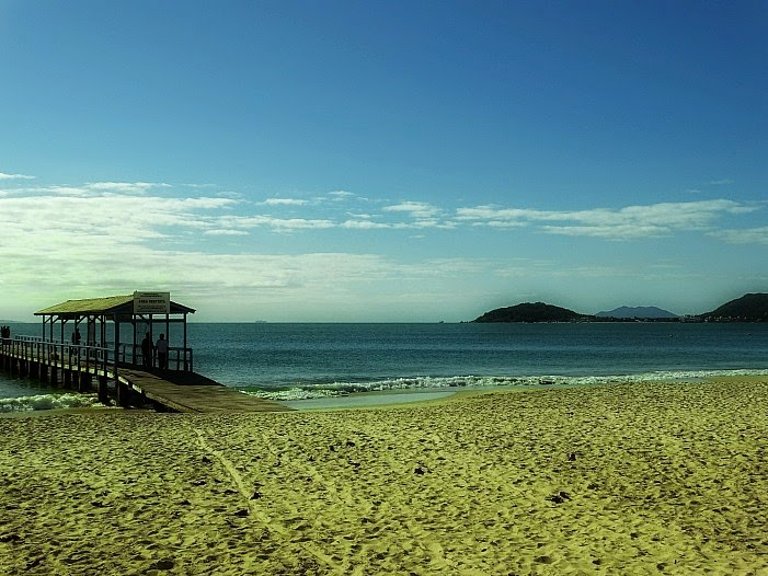 Trapiche de onde saem os para a Ilha de Anhatomirim, na Praia de Canasvieiras.