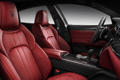 Maserati Quattroporte convenience