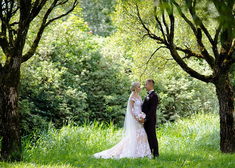vestuvių fotosesija Žemaitijoje