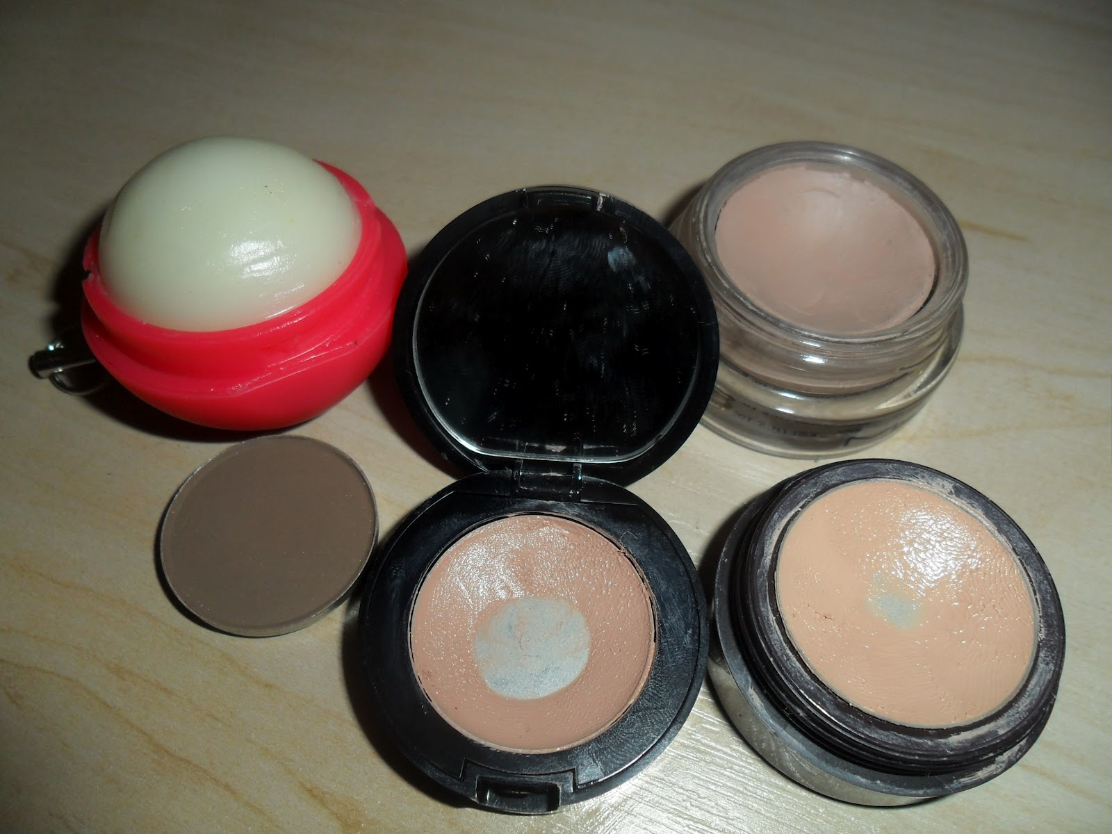 Laura mercier vs bobbi brown