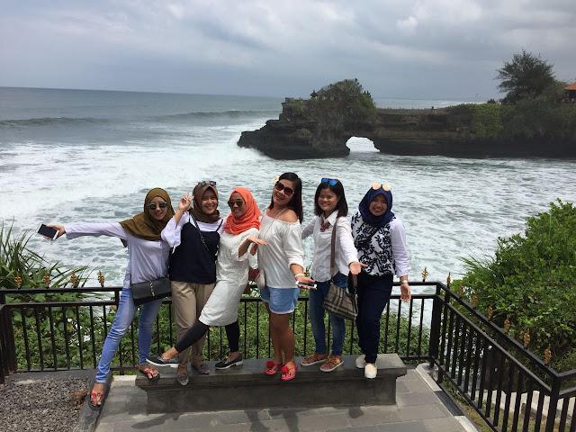 Tips Mengunjungi Tempat Wisata di Bali Bersama Teman-teman Tanah Lot Bali
