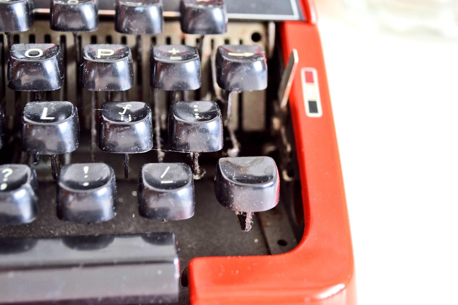 Maszyna do pisania, jak ją używać?