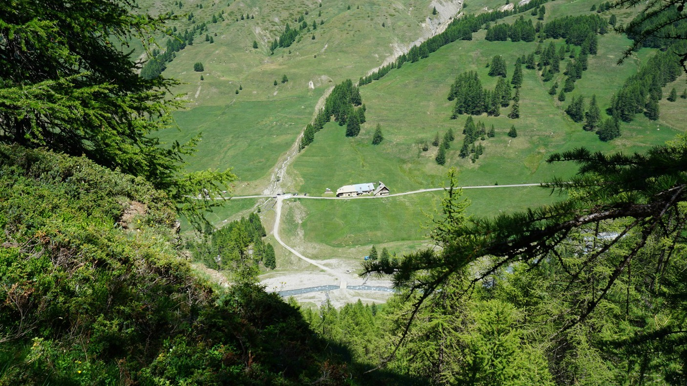 Parking in Les Chalps