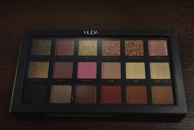 Huda Beauty Rose Gold Edition Textured Eyeshadow Palette
