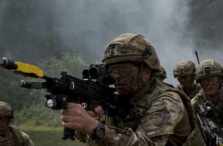 Inggris Bertugas Persiapkan Pasukan Saudi di Perang Yaman