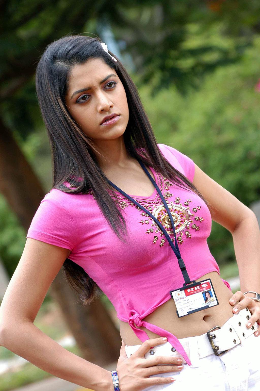 Korukku Pettai Coolie Tamil Movie Photos - M4Movi-9597