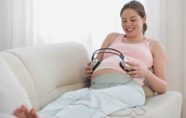 Dengan  Musik