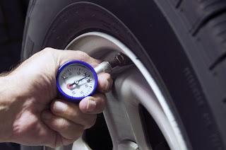 La nueva campaña de la DGT se centra en vigilar las conidicones del vehículo - Fénix Directo seguros blog