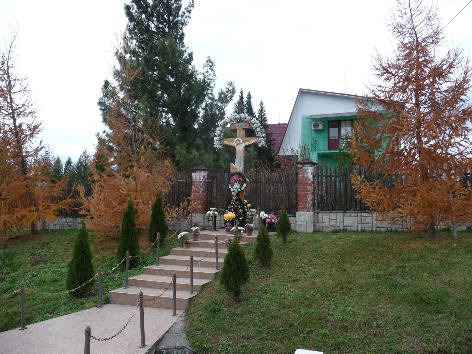 Ольховица. Крест на территории лесничества
