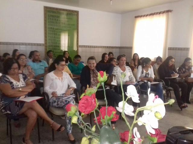 Em Piranhas, Secretaria de Educação promove capacitação para professores que ensinam alunos com deficiências