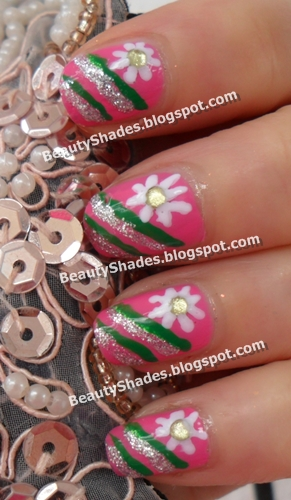 Beginner Flower and Strips Nail Art