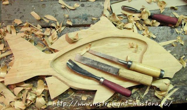 карп деревянный резной