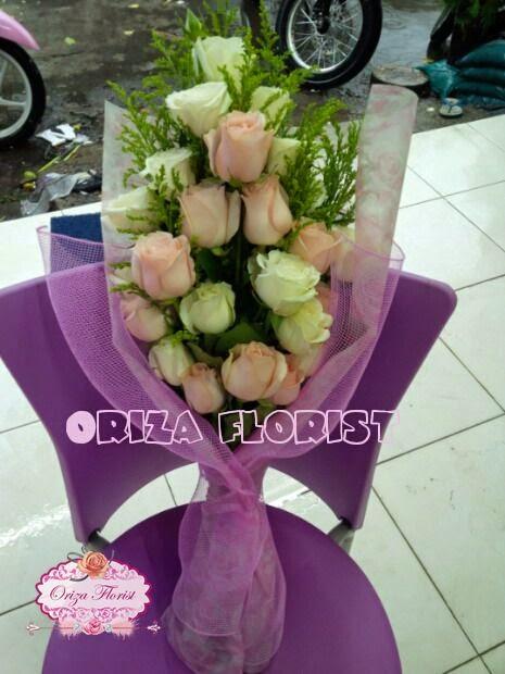 Hand Bouquet Surabaya, Jual Mawar Putih Surabaya